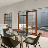 Comfort-huoneisto, 2 makuuhuonetta, Terassi - Ruokailu omassa huoneessa