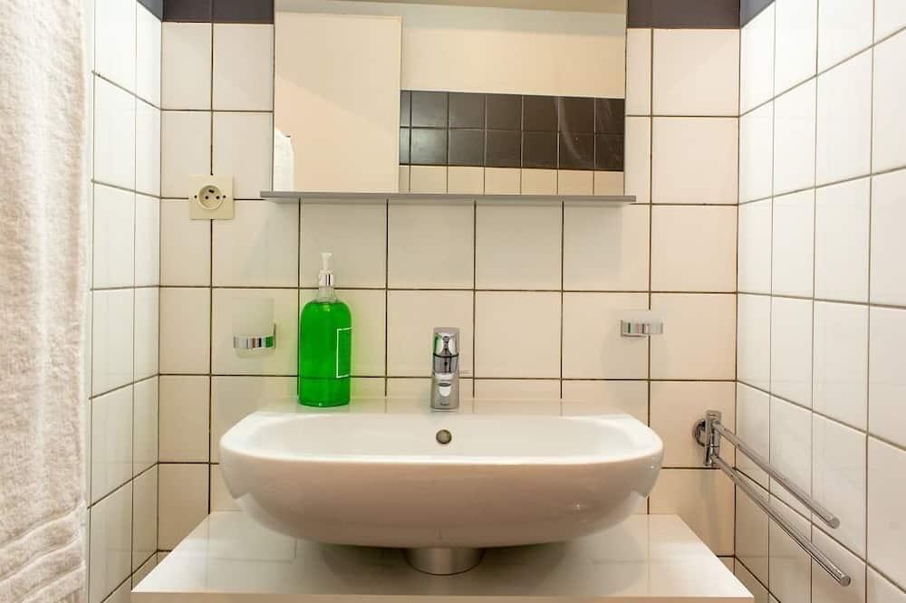Studio, Ensuite (Romantic) - Bathroom