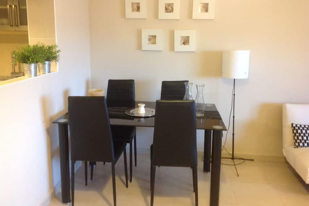 Apartment, 1 Schlafzimmer, Terrasse, Poolblick - Wohnbereich