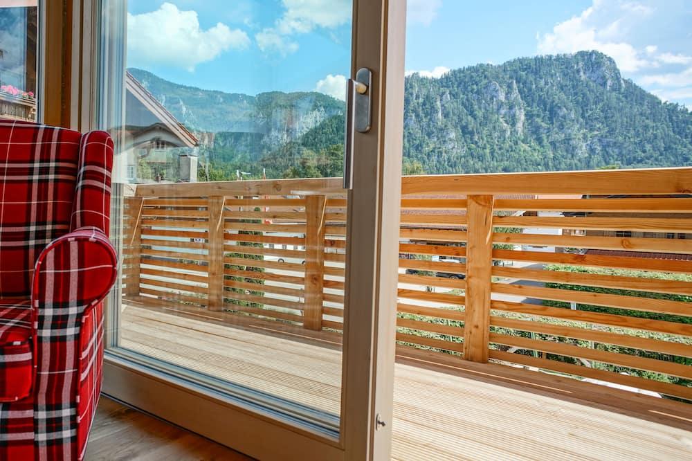 Alpenliebe Superior with Balcony, Boxspingbett, Nespresso machine, LP player - Habitación