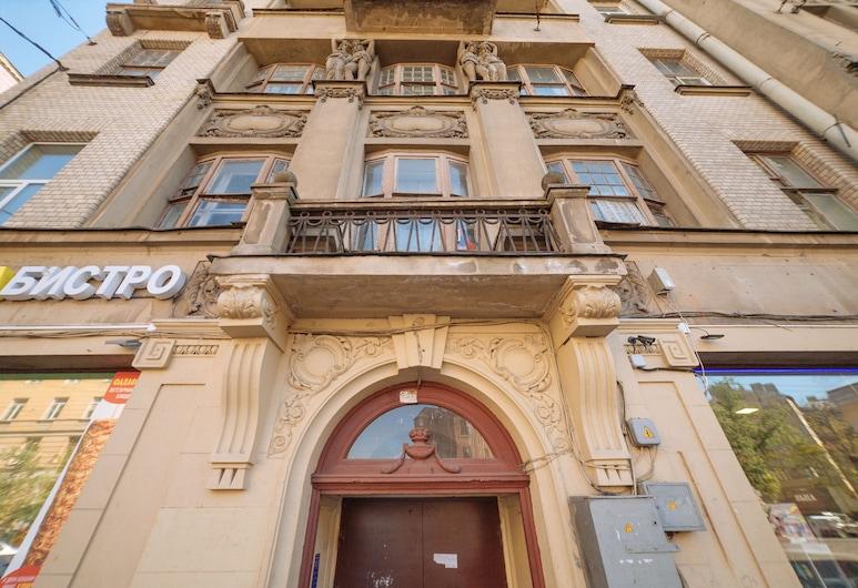 Polezhaev Hostel, סנט פטרסבורג, הכניסה למלון