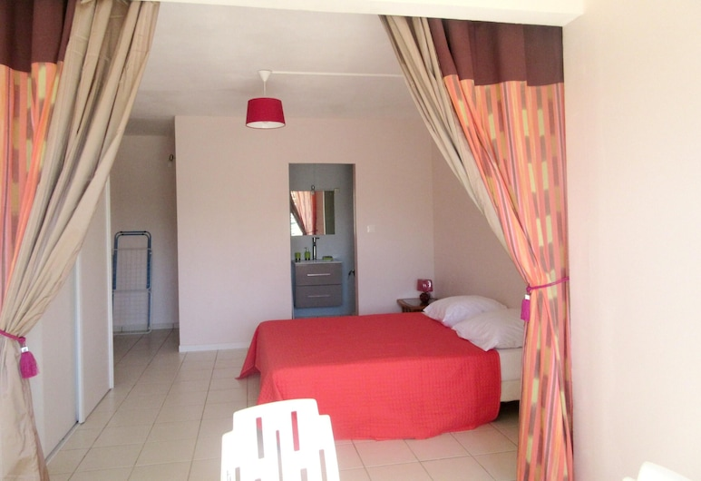 Studio in Le Gosier, With Enclosed Garden and Wifi - 280 m From the Beach, Le Gosier, Studio, Kamer