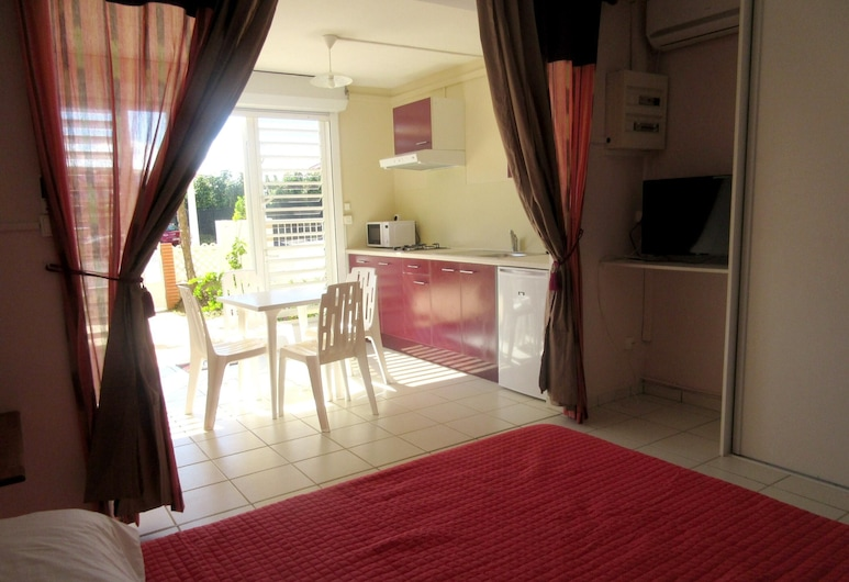 Studio in Le Gosier, With Enclosed Garden and Wifi - 280 m From the Beach, Le Gosier, סטודיו, חדר