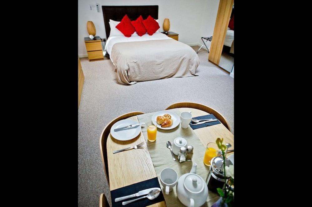 豪華雙人或雙床房, 地面 - 客房內用餐