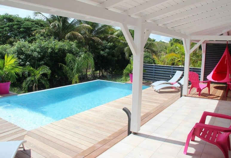Villa With 4 Bedrooms in Saint Francois, With Private Pool, Enclosed Garden and Wifi - 2 km From the Beach, Saint-François, Pool