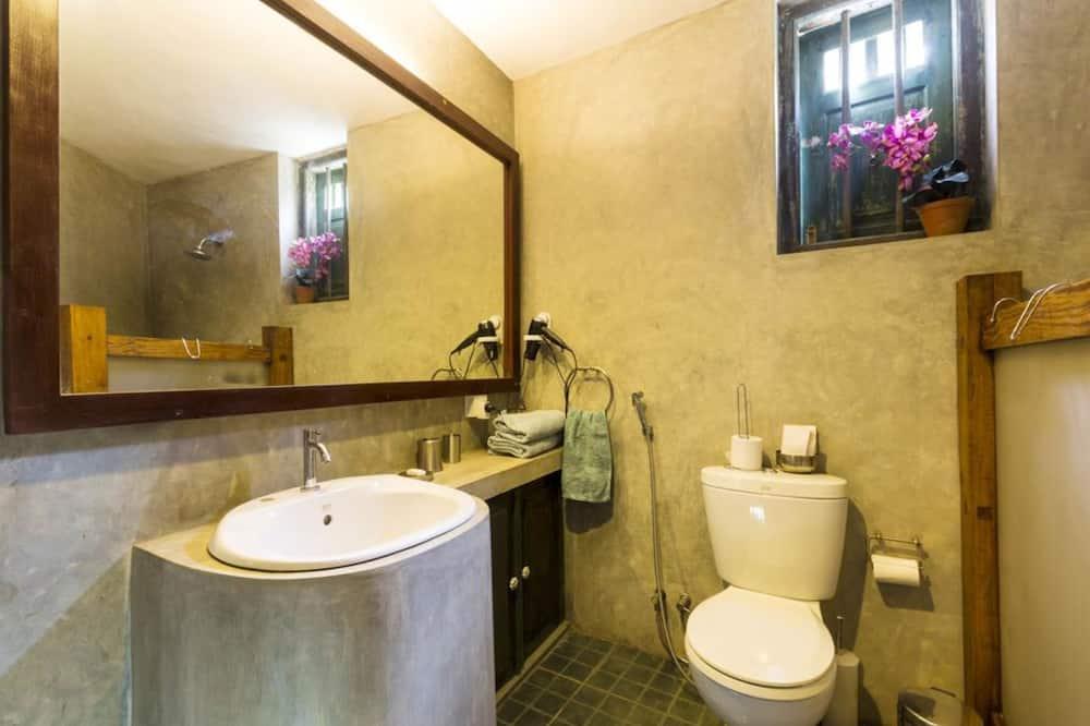 デラックス ダブルまたはツインルーム ガーデンビュー ガーデン - バスルーム