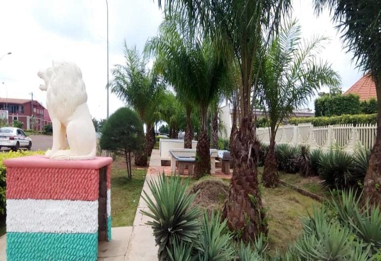 Villa des Hotes, Yamoussoukro, Taman