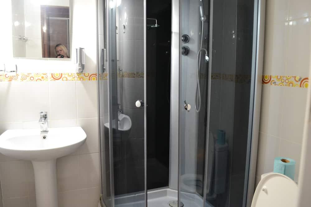 Phòng đôi Tiêu chuẩn, Tủ lạnh - Phòng tắm