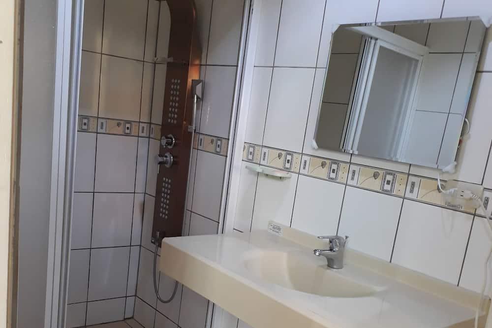 Standard Double Room, 1 Bedroom, Ensuite - Bathroom