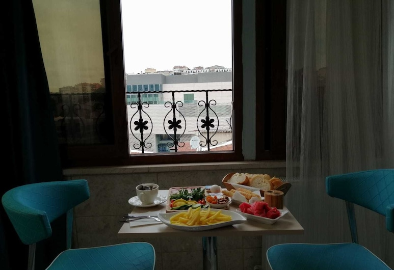 Marvel Suites , Istanbul, Camera Standard, Pasti in camera