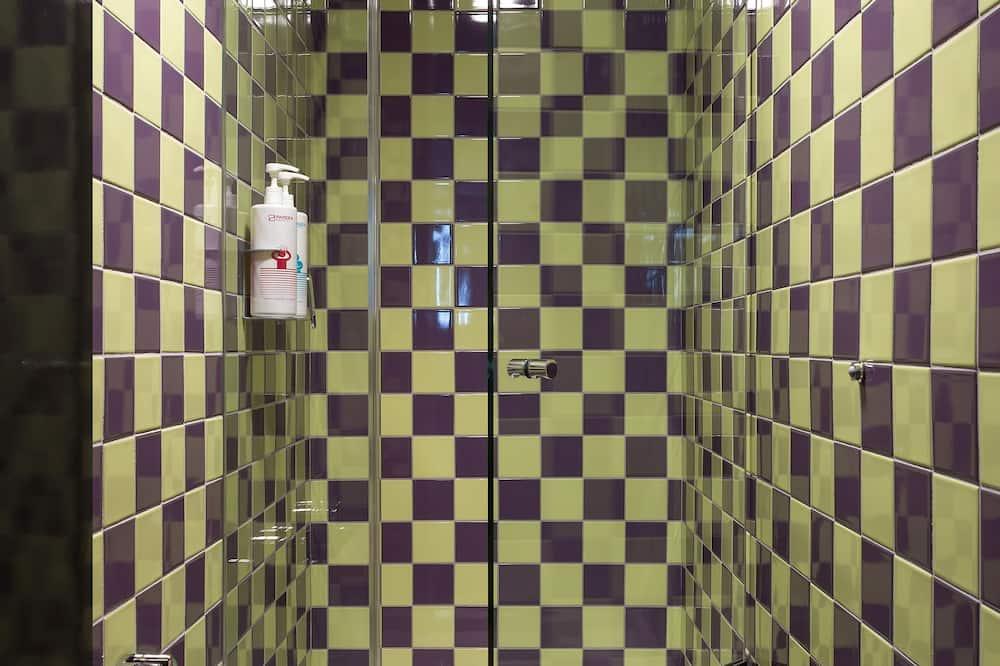 Female-only Pod - Bathroom Shower