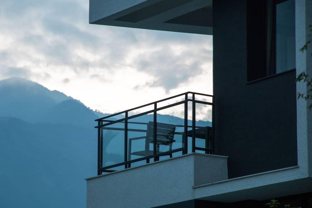 Paaugstināta komforta četrvietīgs numurs, apsildāms kubuls - Balkons