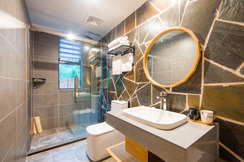 Habitación doble clásica - Regadera en el baño