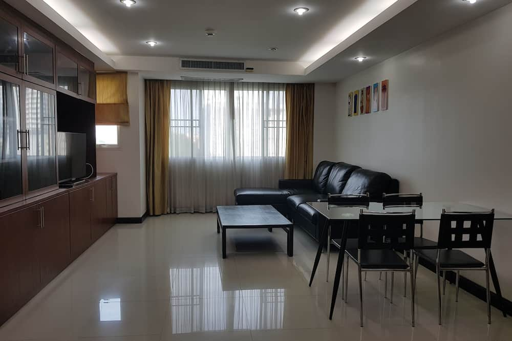 One Bedroom Apartment - Obývací pokoj
