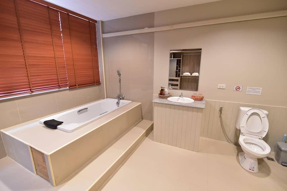 2-Bedroom Suite - Badezimmer
