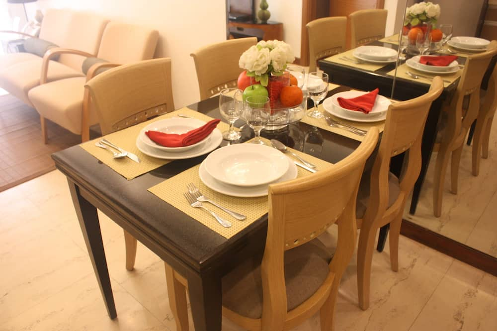 Executive Room - In-Room Dining
