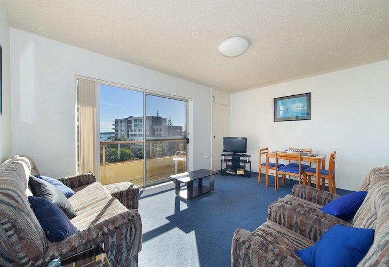 Portview 8, 8/2 Waugh Street, Port Macquarie, Living Area