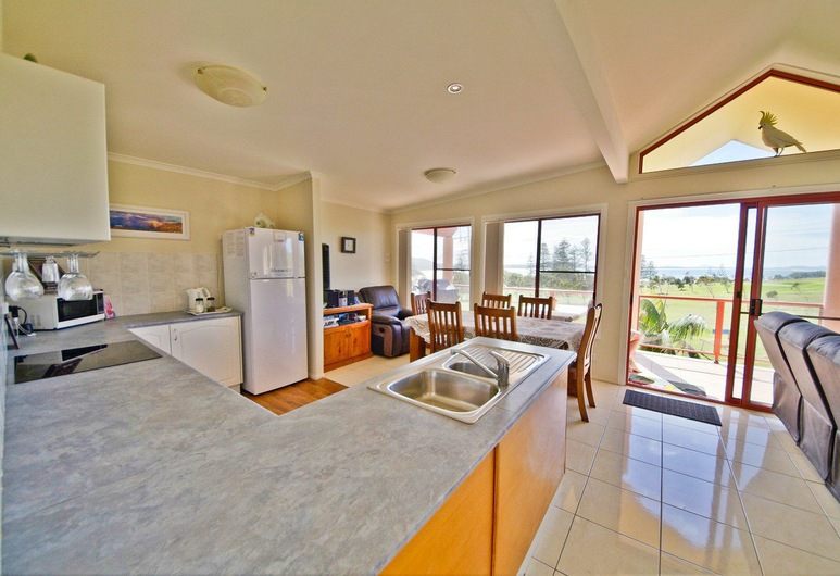 Heather's Seaside Apartments 1, 10 Rankine Street,, Crescent Head, Villa (3 Bedrooms), Cocina privada