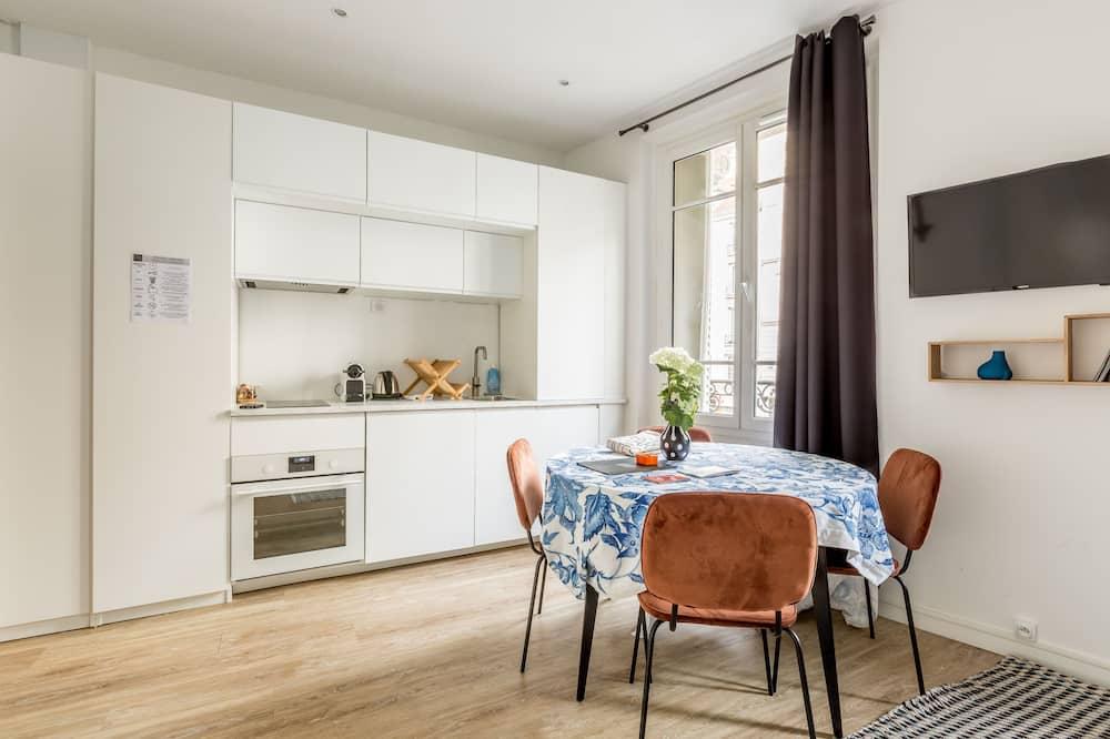 Lejlighed - privat badeværelse - byudsigt (Réaumur) - Stue