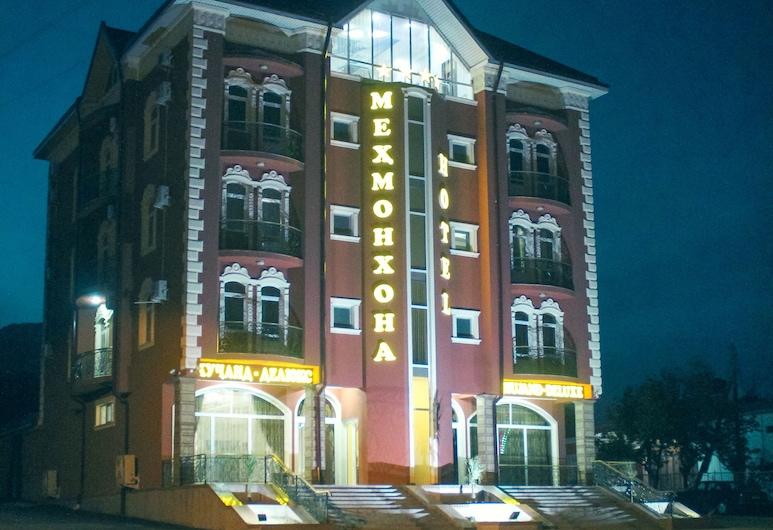 Khujand Deluxe Hotel, Khujand, ด้านหน้าของโรงแรม - ช่วงเย็น/กลางคืน