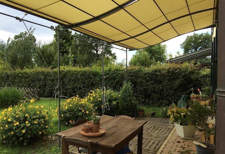 Il Giardino B&B, Castelvetro di Modena, Terraza o patio