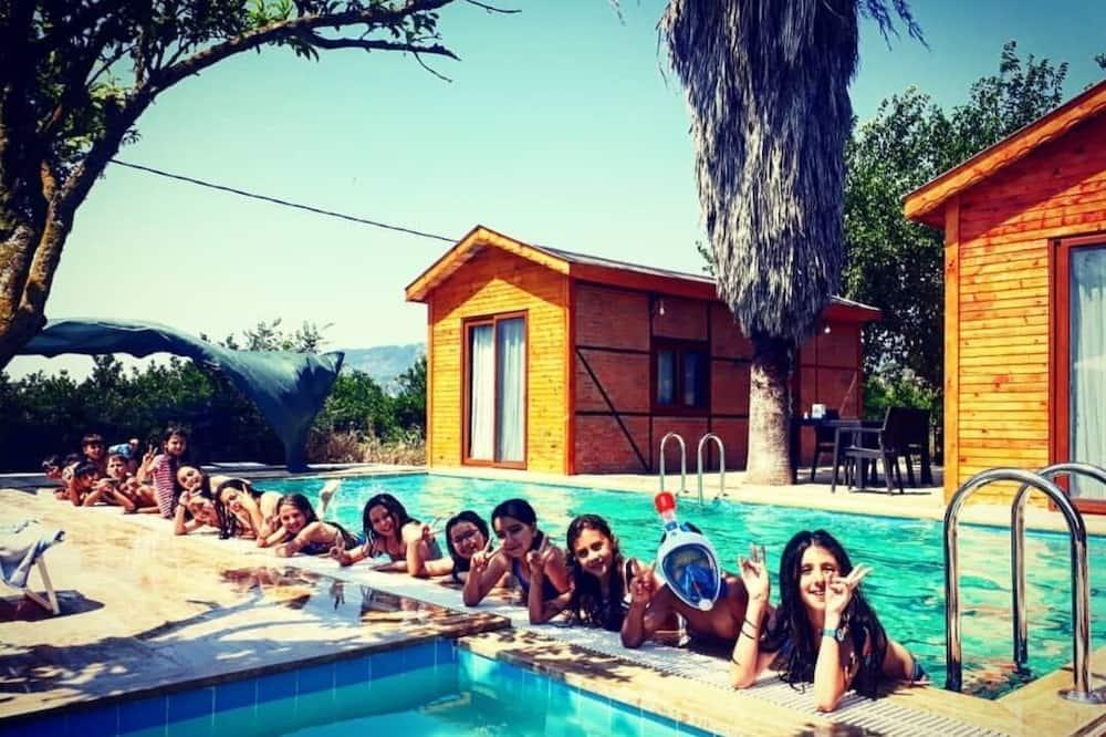 สระว่ายน้ำเด็ก