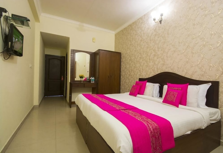 Heritage Hotel and Restaurant, Agra, Deluxe Double Room, Smoking, Guest Room