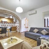 Superior Apartment, 3 Bedrooms, Terrace, Courtyard Area - Living Area