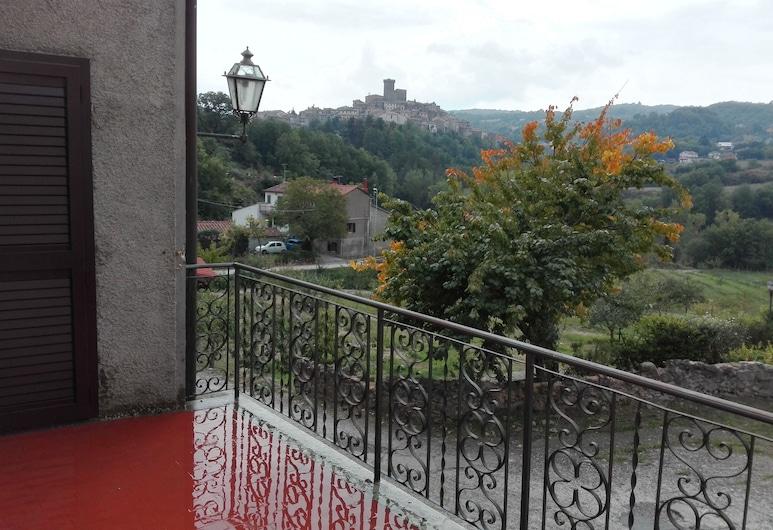 Podere San Ferdinando, Arcidosso, Comfort House, 3 Bedrooms, Kitchen, Hill View, Terrace/Patio