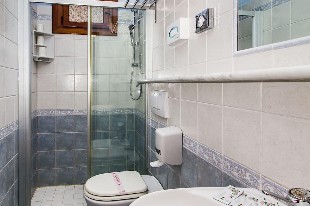 Doppelzimmer - Badezimmer
