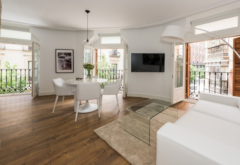 Atocha Corner - Barrio de las Letras, Madrid, Apartment, 1 Bedroom, Living Room