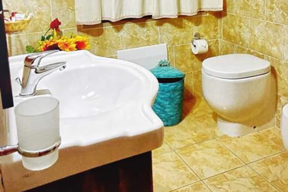 Apartament standardowy, 2 sypialnie - Łazienka