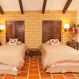 Vila su patogumais, Kelios lovos, prie baseino - Svečių kambarys
