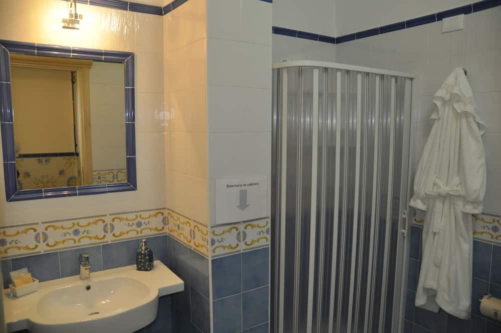 Quarto Duplo Económico - Casa de banho