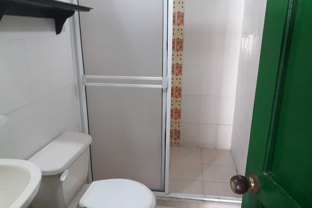 Familie-dobbeltværelse - Badeværelse