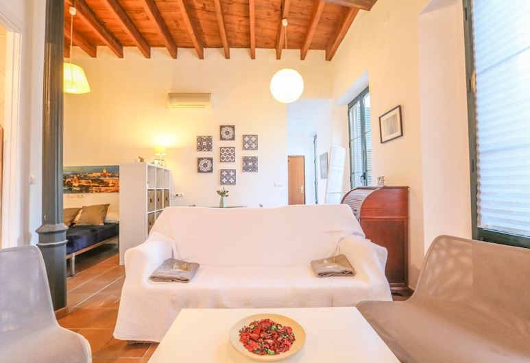 Deluxe apartment los balcones, Seville, Living Room