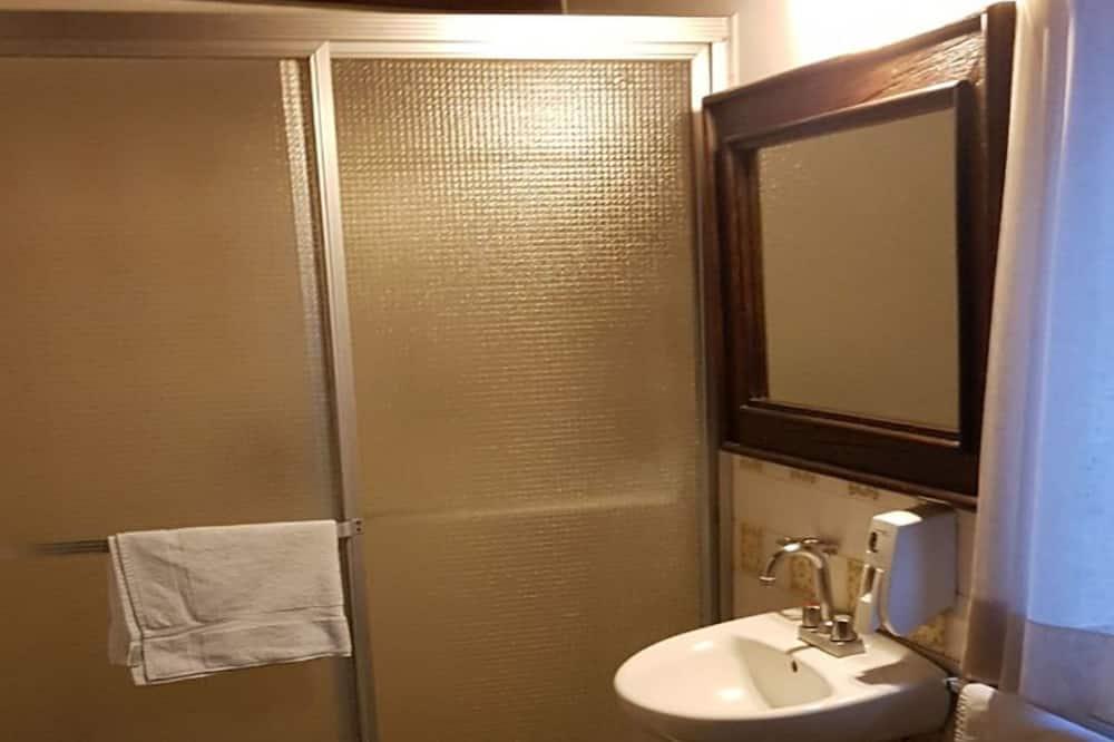 Comfort Tek Büyük Yataklı Oda, 1 En Büyük (King) Boy Yatak, Sigara İçilmez - Banyo