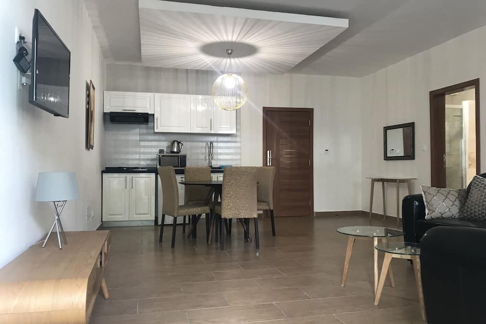 Luxury külaliskorter, 1 magamistoaga - Einetamisala toas