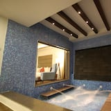Honeymoon Suite, 1 King Bed - Jetted Tub