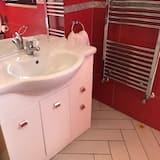 Double Room (Attic) - Bathroom