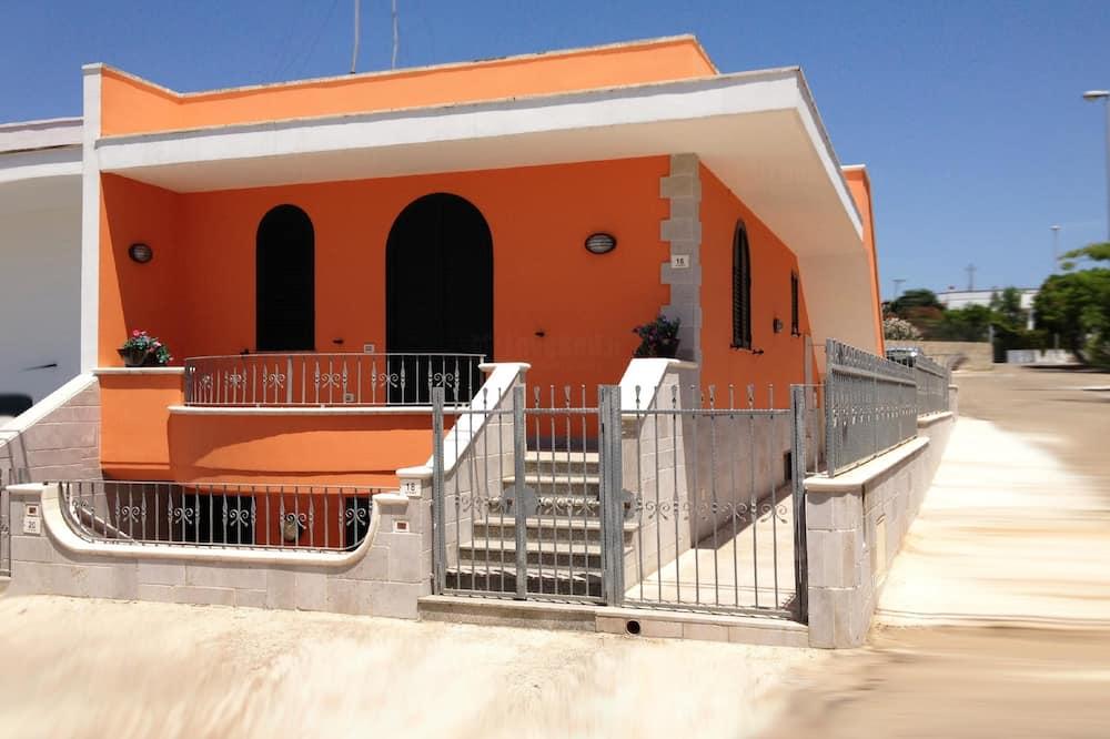 B Marea Beach House