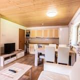 Luxury Apartment, 2 Bedrooms, Balcony (Apt 18) - Room