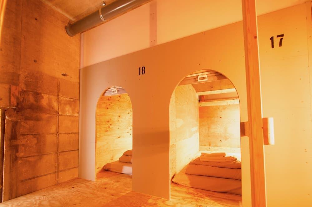Dormitorio compartido básico, solo para mujeres, para no fumadores - Habitación