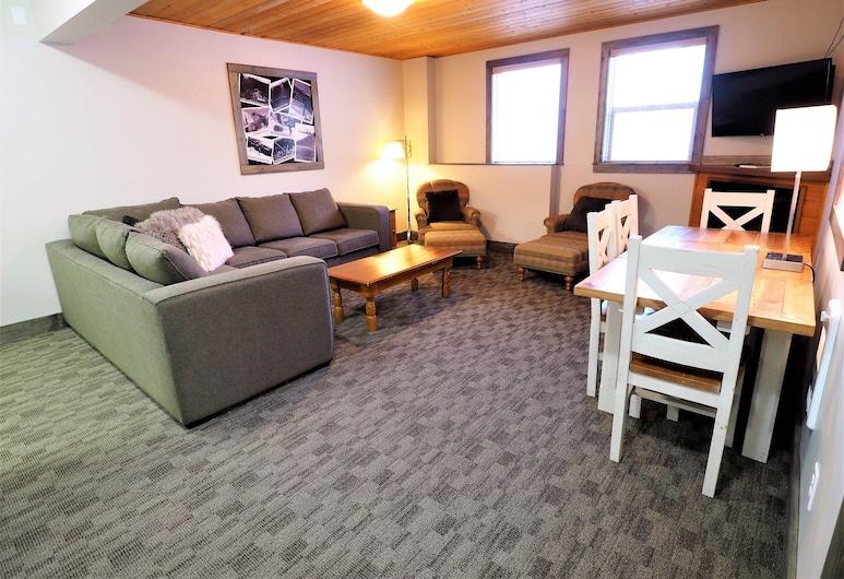 Apex Mountain Lodge Suite 5 Bedroom Condo, Penticton