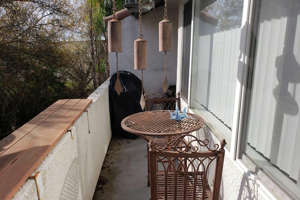 Byt, 2 spálne - Balkón