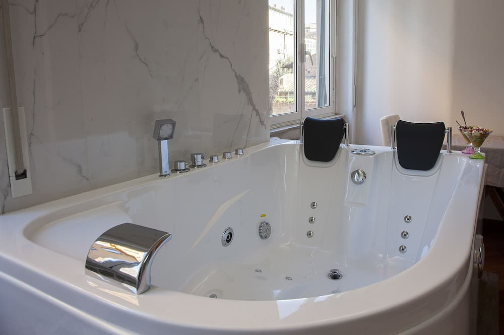Superior Room, Jetted Tub - Private spa tub