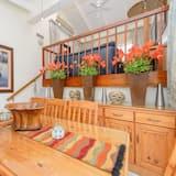 Three Bedroom Standard 2848  - In-Room Dining