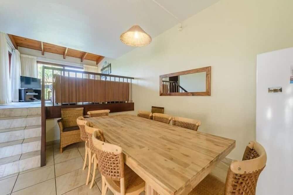 Standard Apartment (One Bedroom Standard 2106) - In-Room Dining