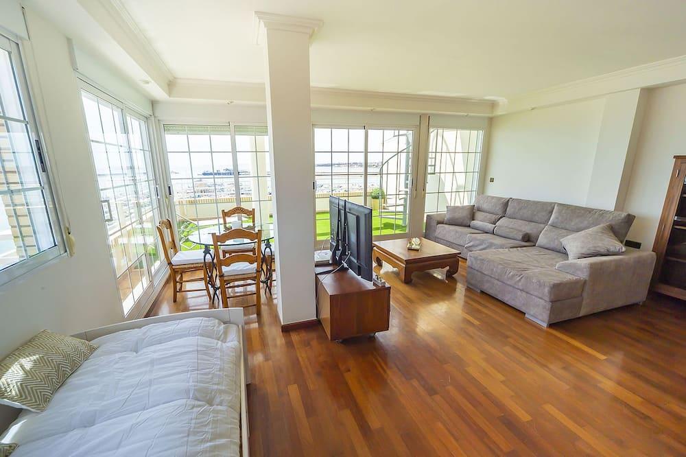 Exclusive Penthouse, 2 Bedrooms, Terrace, Ocean View - Living Room