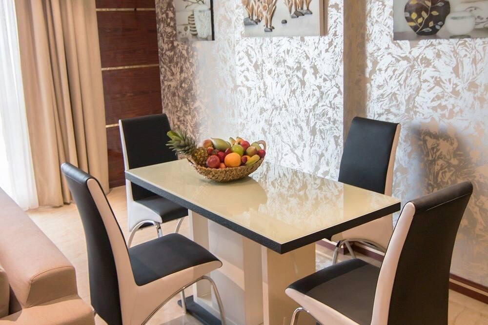 Departamento Premier, 2 habitaciones - Servicio de comidas en la habitación